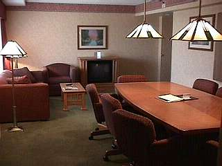 Suite Upgrades For Small Meetings 11 of 11
