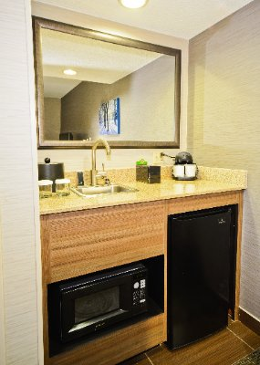 Suite Wet Bar 3 of 8