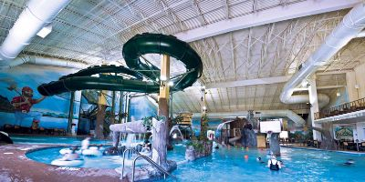 Paul Bunyan Indoor Waterpark 3 of 16