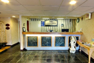 Front Desk 2 of 5