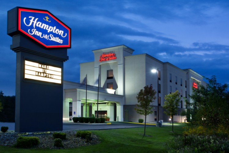 Hampton Inn & Suites Grove City 1 of 9
