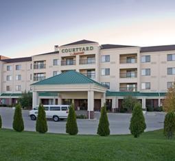 Courtyard By Marriott Milwaukee North Brown Deer 5200 West Rd Wi 53223