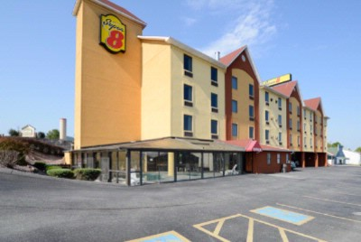 Super 8 Pigeon Forge 1 of 24