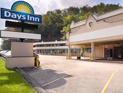 Days Inn Pittsburgh 1 of 9
