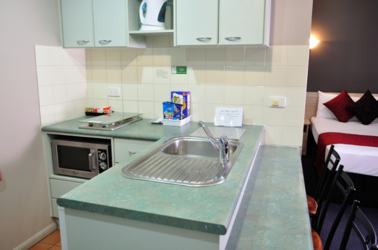 Kitchen Facilities 7 of 13