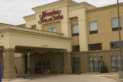 Hampton Inn & Suites Altus 3 of 11