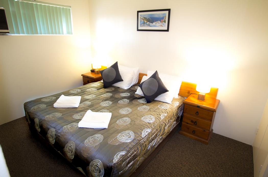 Matthew Flinders -Main Bedroom -King Bed Or 2 Singles) 13 of 24
