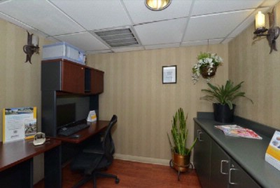 Business Center 6 of 15