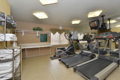 Fitness Room 7 of 15