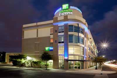 Holiday Inn Express Suites Rivercenter 1 of 5