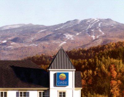 Comfort Inn & Suites Mont Tremblant 1 of 16