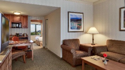 Suites Are Just More Comfortable Than Standard Hotel Rooms 5 of 18