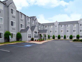 Microtel Inn & Suites by Wyndham Chattanooga / Near 1 of 7