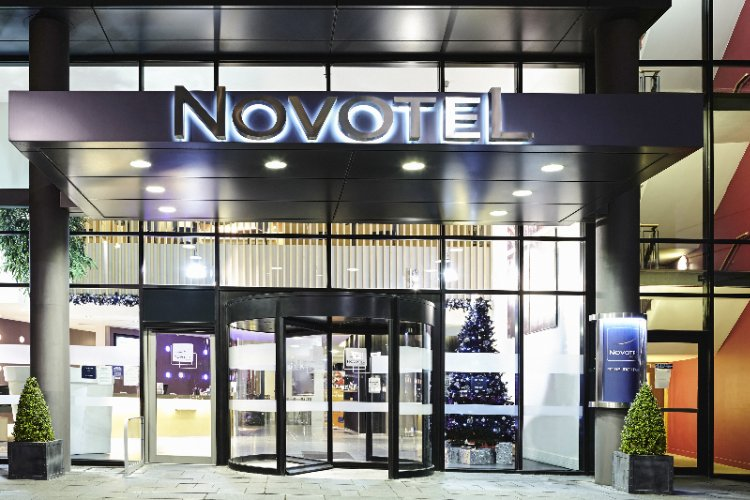Novotel Edinburgh Park Entrance 2 of 5