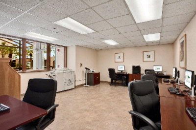 Complimentary Onsite Business Center 10 of 10