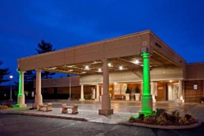 Radisson Hotel Louisville North 505 Marriott Dr Clarksville In 47129