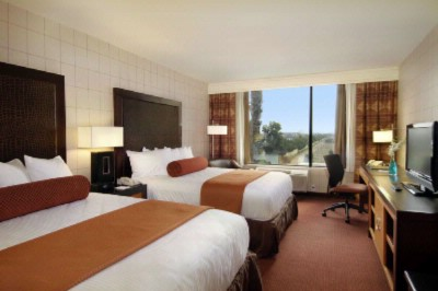 Red Lion Hotel Anaheim Queen/queen Room