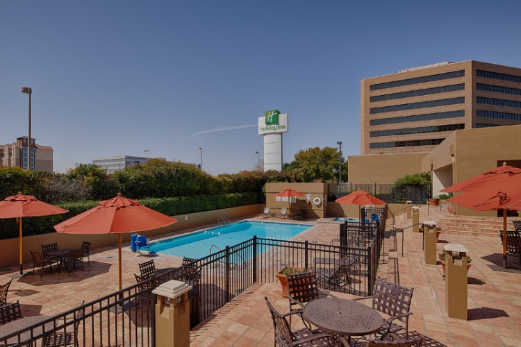 Welcome To The Holiday Inn San Antonio International Airport 3 of 13