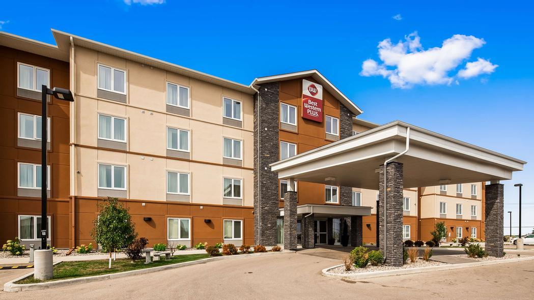 Welcome To The Best Western Plus Winnipeg West! 2 of 16