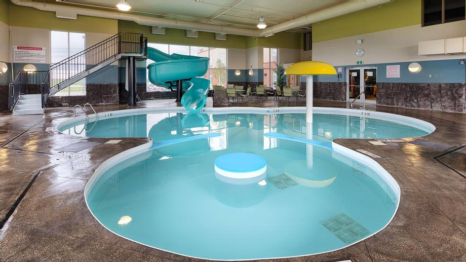 Bringing The Kids Out? They\'ll Love Our Pool Area With A Waterslide And Vortex While You Can Relax In The Hot Tub. 16 of 16