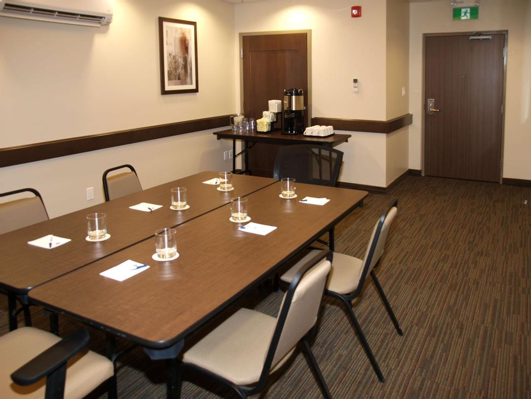 Having A Smaller Meeting? Don\'t Forget To Ask About Our Boardroom Perfect For Those Morning Meetings. 9 of 16