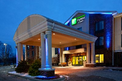Holiday Inn Express Hotel Suites Tell City 310 Orchard Hill Dr In 47586