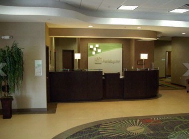 Front Desk 6 of 16