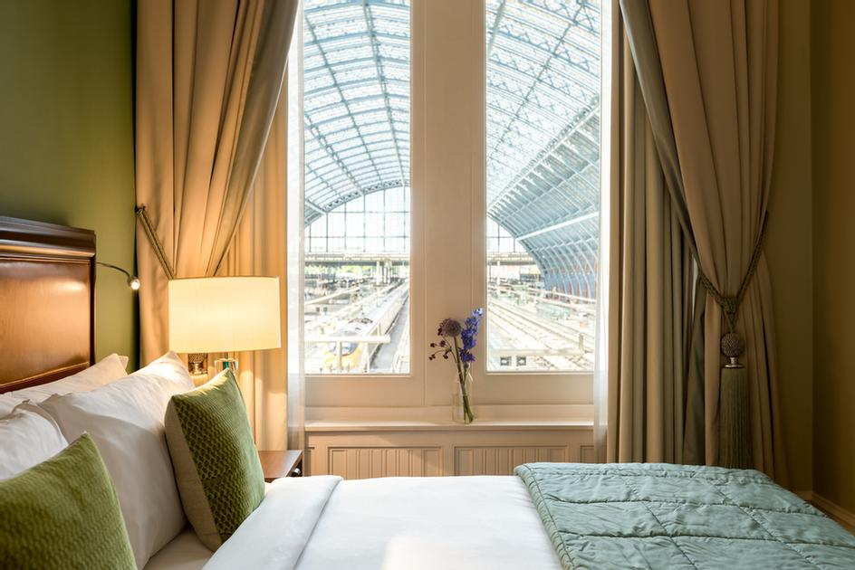 A Chambers Club Room With Views Over The Eurostar Terminal 12 of 16