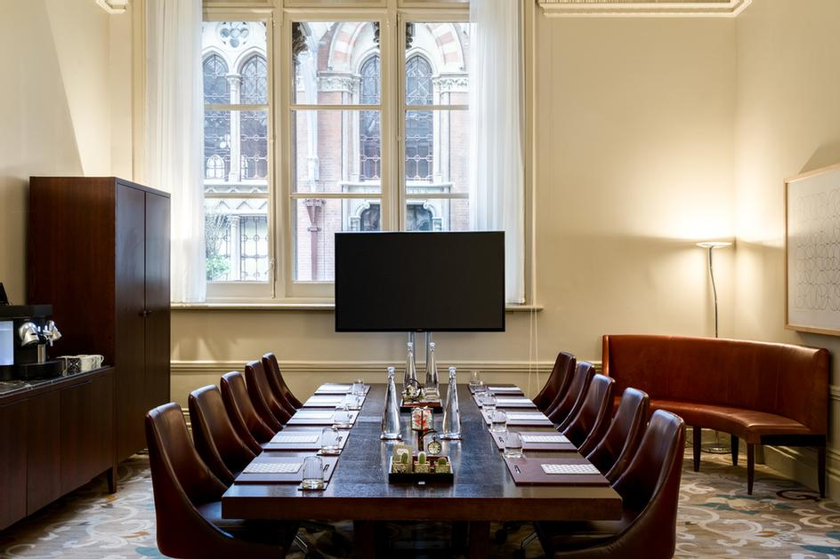 The Paxton Meeting Room For 12 People 3 of 16
