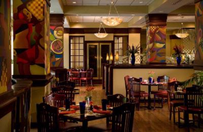 In-House Restaurant Blue Shoe Bar & Grille Serves Breakfast Lunch And Dinner. 4 of 11