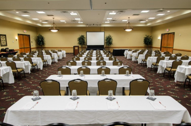 Galley Ballroom 200 Guests Classroom 16 of 21