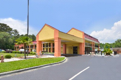 Americas Best Value Inn Hinesville 1 of 12