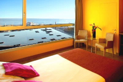 Deluxe Room With Sea View 4 of 16