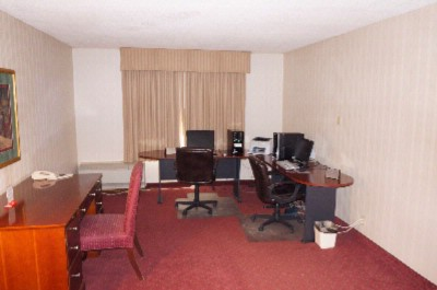 Business Center 15 of 16