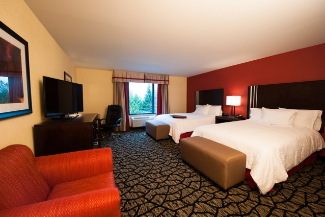 Double Queen Guest Rooms Comfortablely Accommodate Up To 4 Guests. 8 of 9