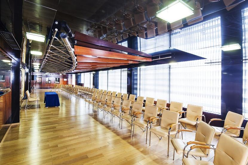 Conference Room Anel 19 of 31