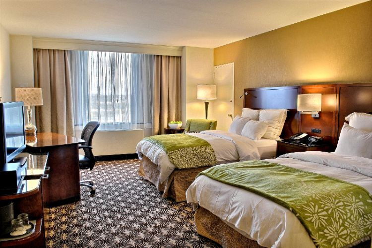 Pittsburgh Marriott City Center Double/double Room 5 of 5