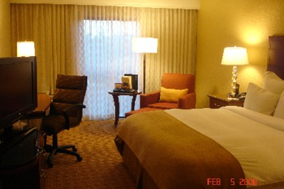 Renovated King Size Guestroom 6 of 8