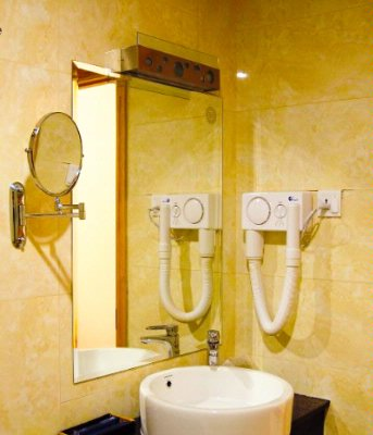 Luxury -Bathroom Facilities 4 of 19