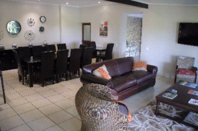 Lounge & Dining Area 6 of 9