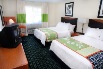 Enjoy A Restful Night In A Spacious Room. Our Guest Rooms Feature A Full Size Work Desk Microwave And Mini-Fridge. 9 of 11