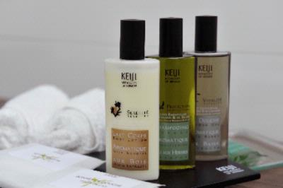 Keiji Bathroom Amenities 11 of 14