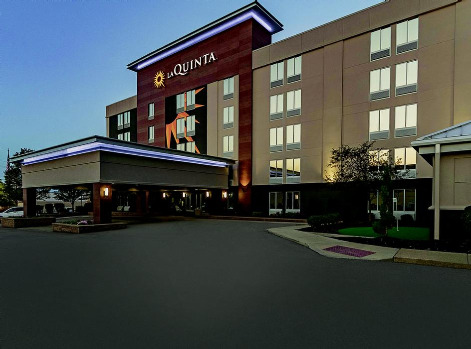 Image of La Quinta Inn & Suites Cleveland Airport West