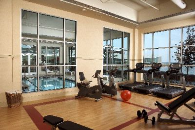 Fitness Center Overlooking The Bay 6 of 8