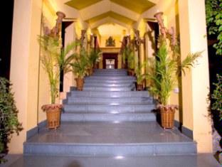 Entrance 4 of 22