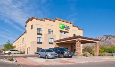 Holiday Inn Express Hotel & Suites N Tucson 1 of 6