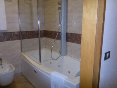 Jacuzzi With Shower 12 of 12