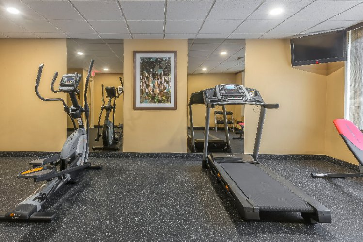 Exercise Room 8 of 31