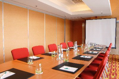 Pic D\'anie Meeting Room -Boardroom Set Up 3 of 17