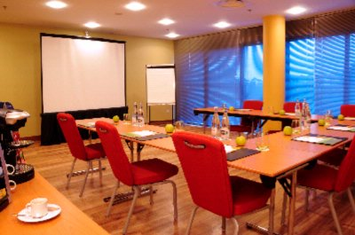 Pic Du Midi Meeting Room -U-Shape Set Up 4 of 17